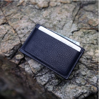 THE MINIMALIST SLIM CARD WALLET