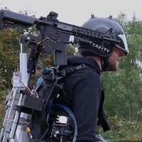 Video ofguy who mounted a turret on a jetpack shows a surprising feature