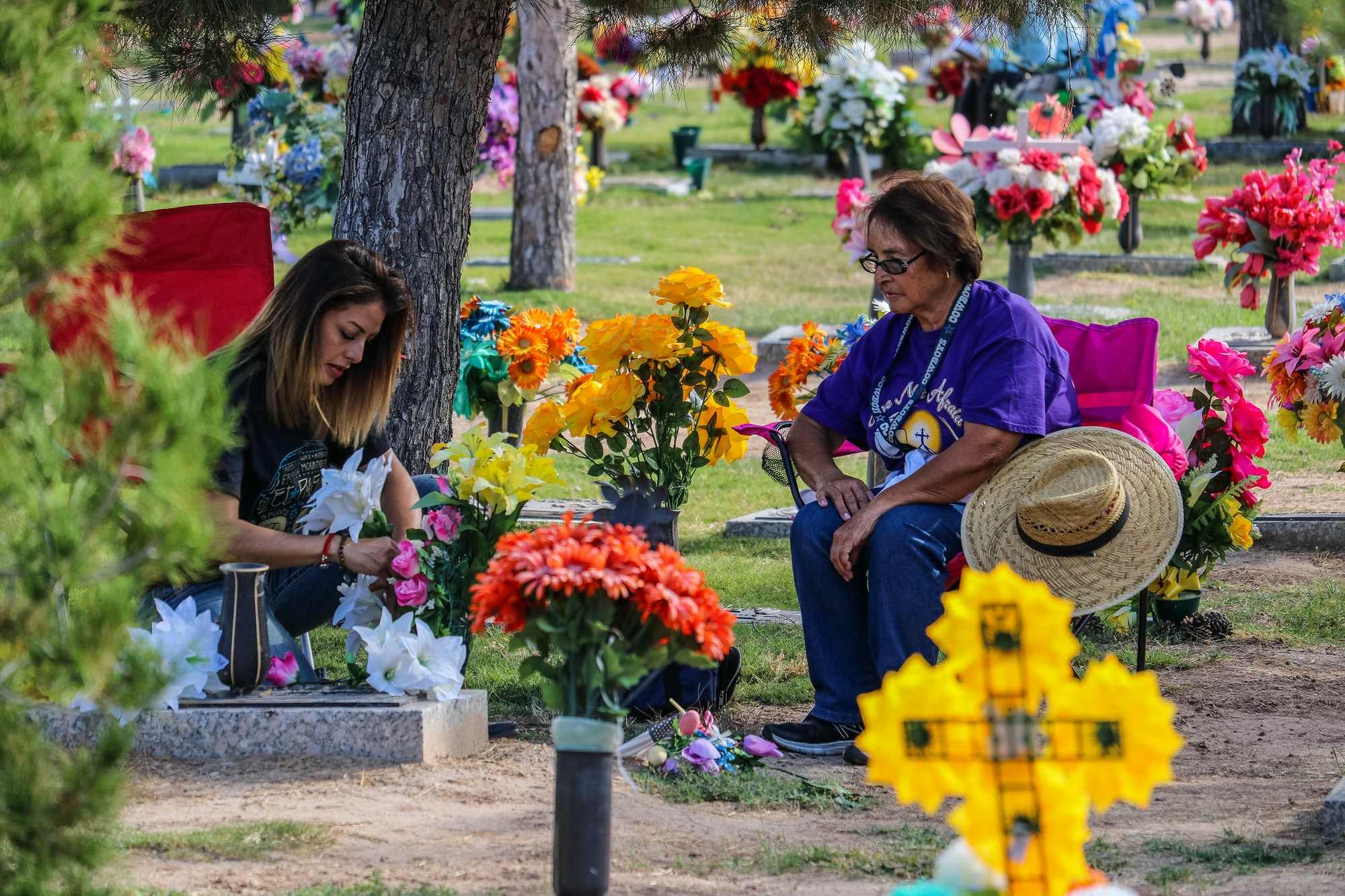 Day of the Dead graveyard visit
