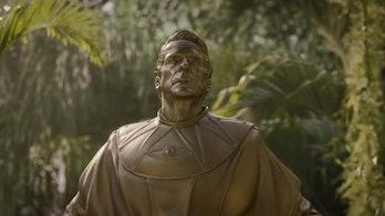 Lady Trieu's statue of Adrian Veidt