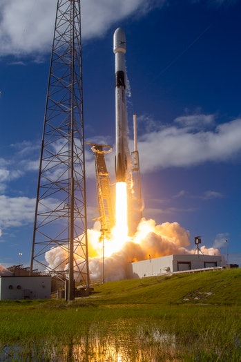 SpaceX's Starlink lifting off.