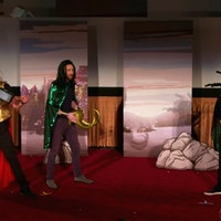 'Thor: Ragnarok' Cast Acts Out the Film for Unknowing Moviegoers