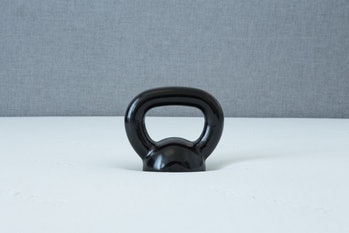 The same 20-pound kettlebell as pictured above on the Leesa, sinking into the Tuft & Needle.