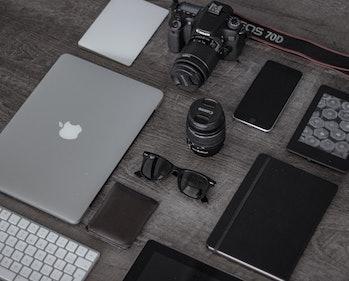 apple devices ipad iphone macbook mac