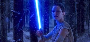 the force awakens rey lightsaber