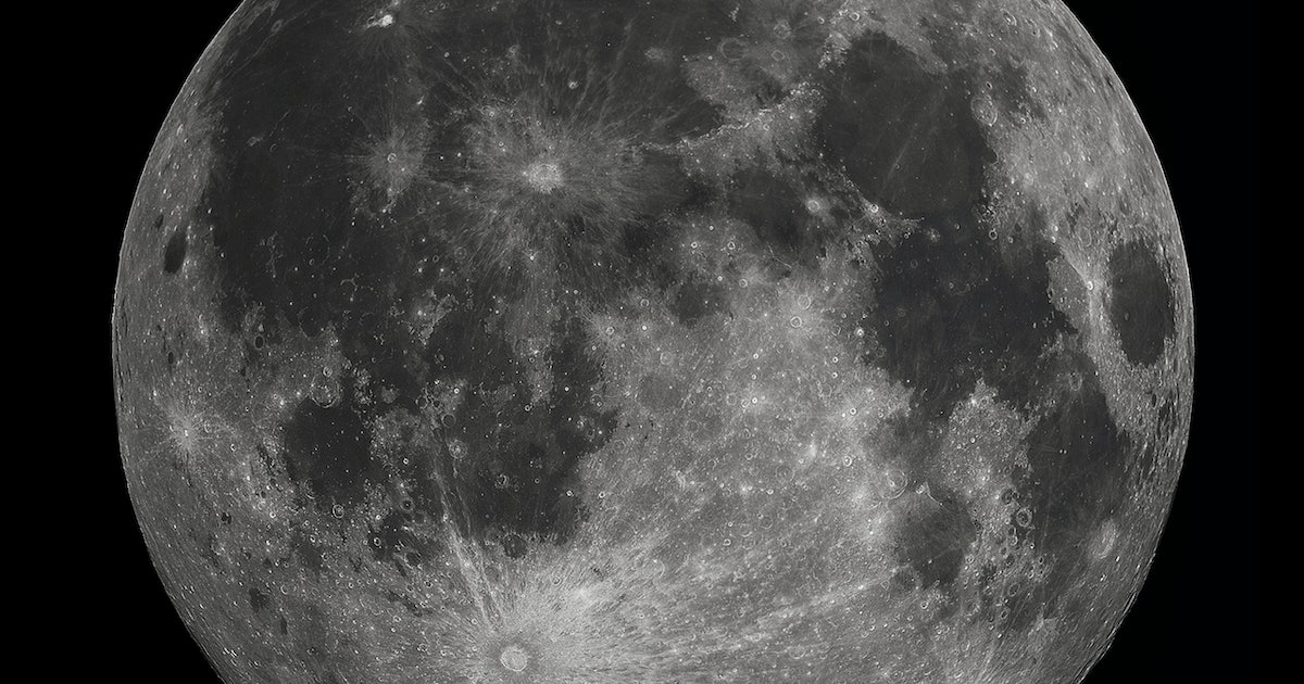 Watch Rogue Meteoroids Pummel the Moon's Surface in Mesmerizing Video