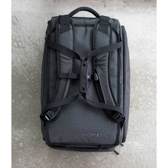 Nomatic 30-Liter Travel Bag