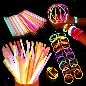 200 Glow Sticks and 275 Connectors