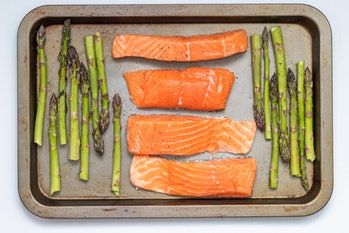 salmon low-carb meal