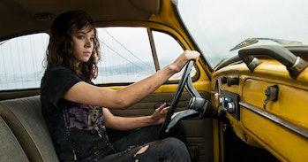 Hailee Steinfeld as Charlie driving Bumblebee.