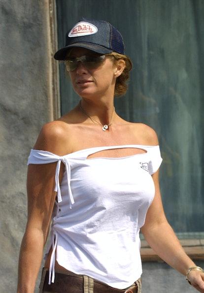 Trucker hats were a major 2000s fashion trend.