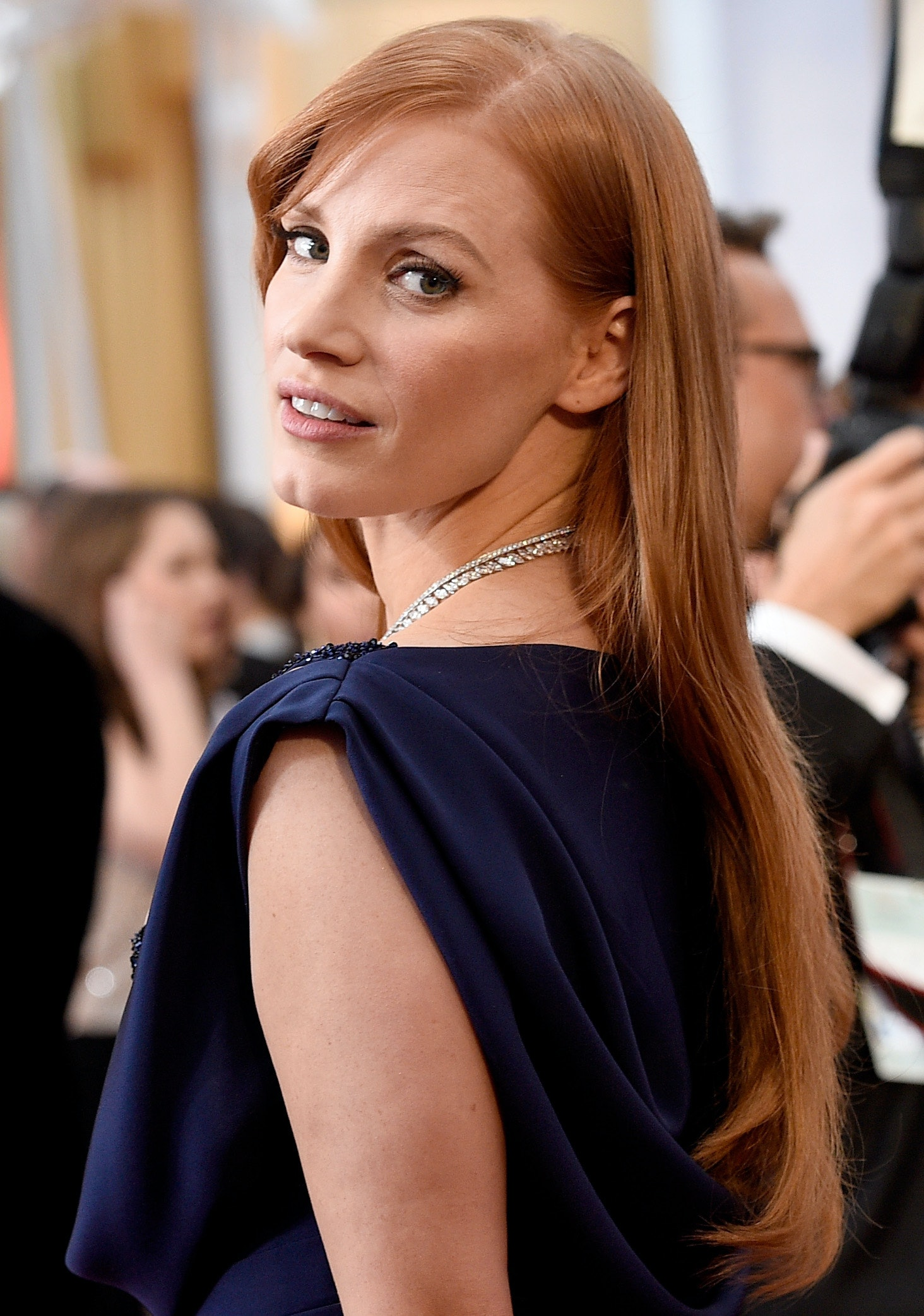 Jessica Chastain Debuts Short Hair Just In Time For The Warm Weather Photo