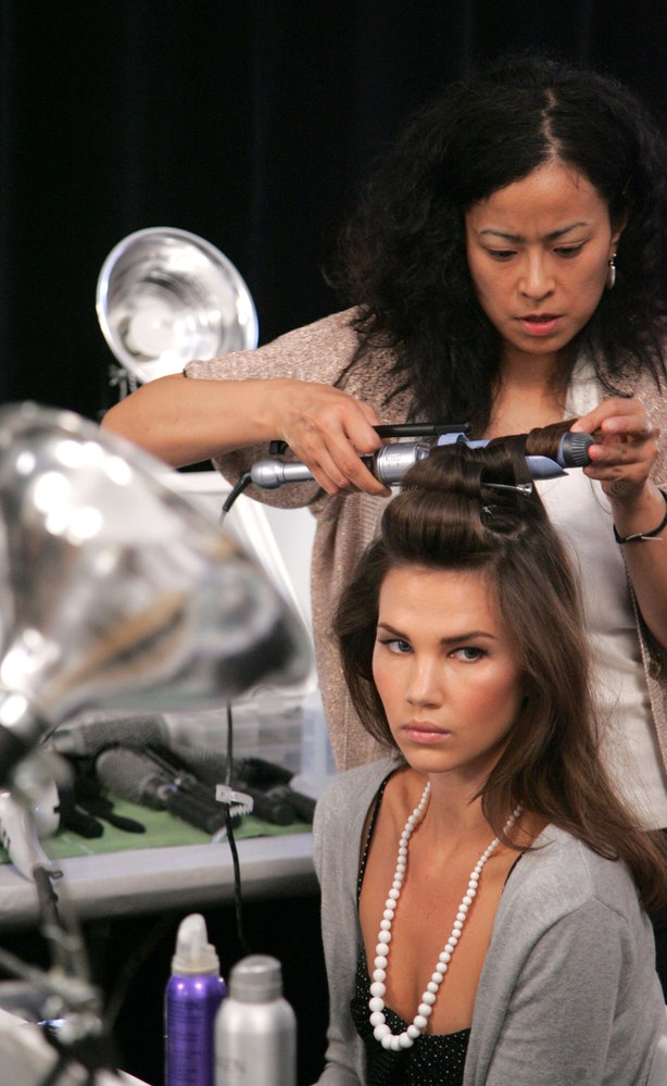 How To Get Curls To Last All Day Long, Even If You Have