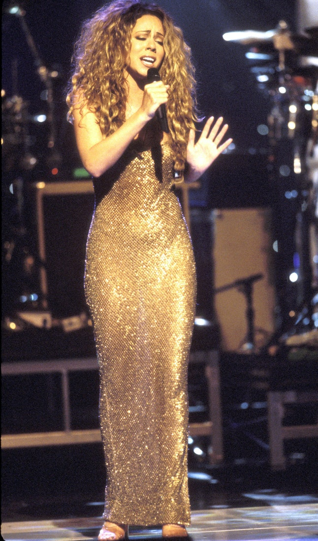 10 Outfits That Prove Mariah Carey Was The Queen Of 90s