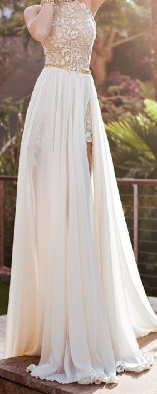 Should You Buy Prom Dresses Online? Here\'s How To Do It Right