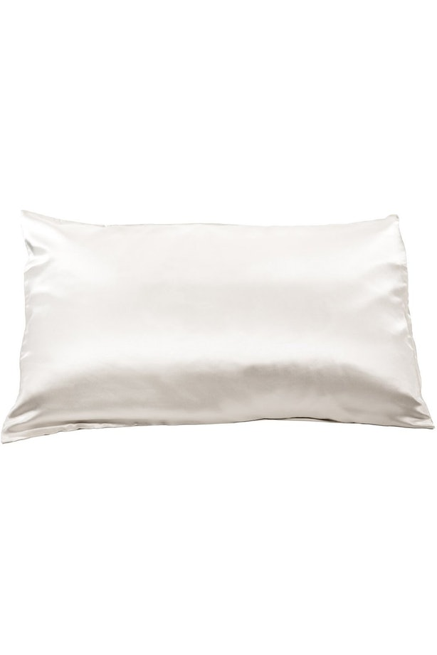 How Often Should You Clean Your Pillowcases To Avoid
