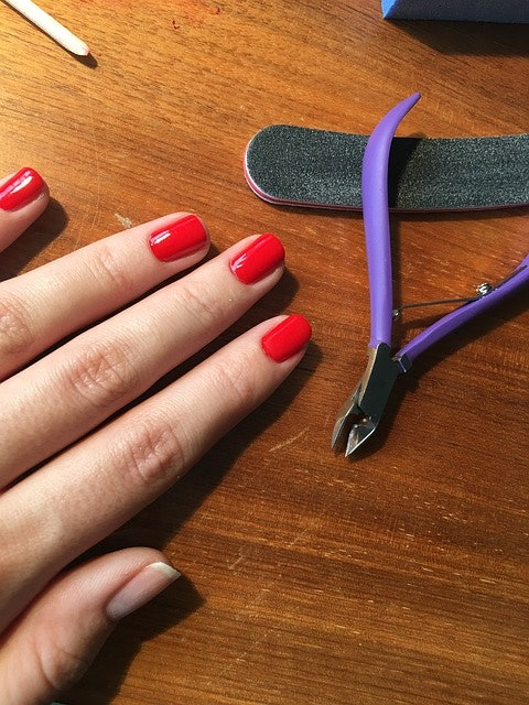 Why Do Gel Nails Crack? There\'s A Reason Behind This Annoying Phenomenon