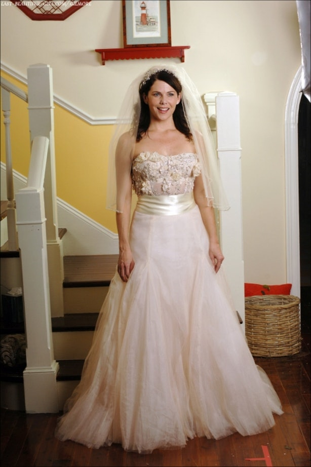The 19 Most Memorable Lorelai Gilmore Outfits Will Give ...