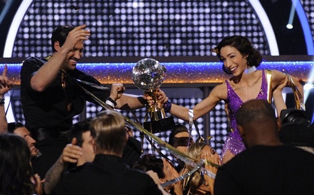 Meryl And Maks Dating Couple Kiss On Dancing With The: 'DWTS' Meryl Davis & Maksim Chmerkovskiy's Love Story