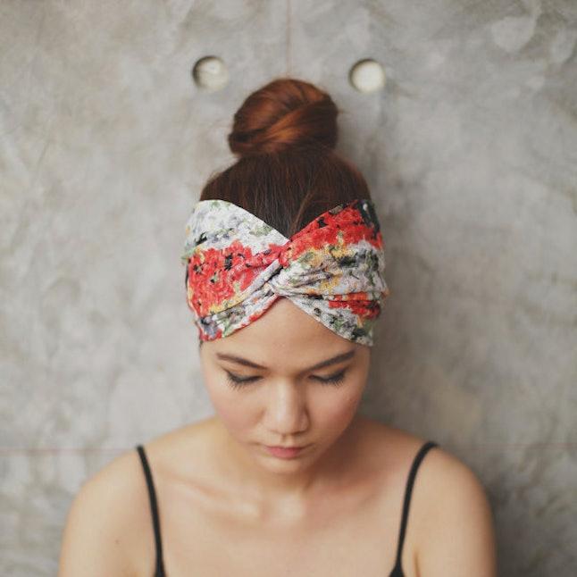21 New Ways To Wear A Summer Scarf
