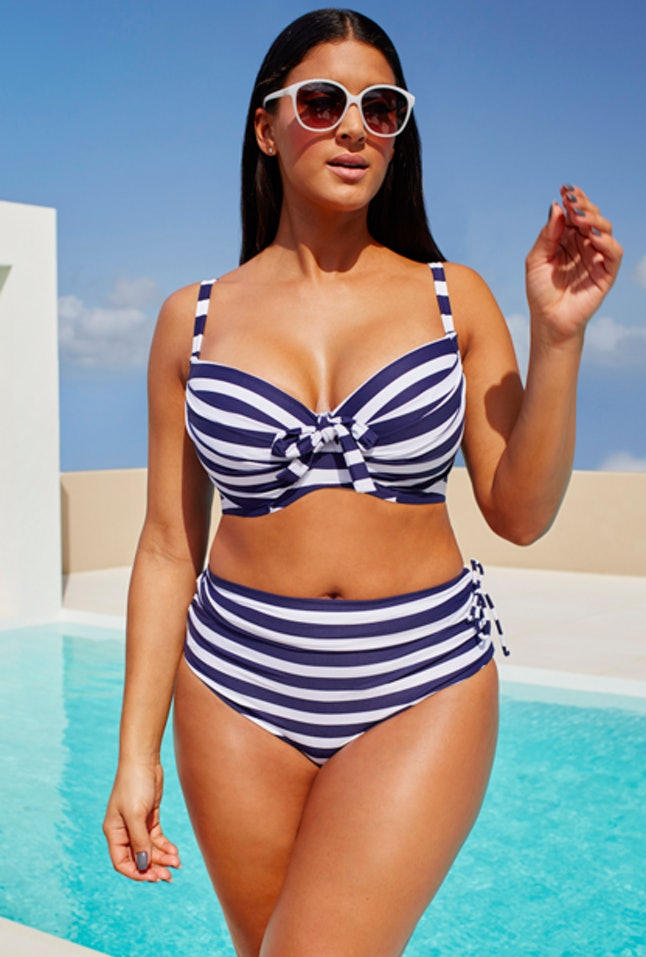 Wired Bathing Suits | 17 Bikini Tops For Big Busts That Will Actually Fit Photos