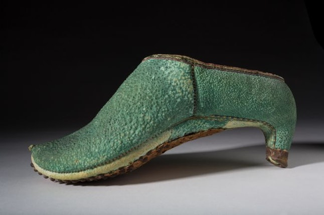 A Short History Of High Heels, From Ancient Greece To