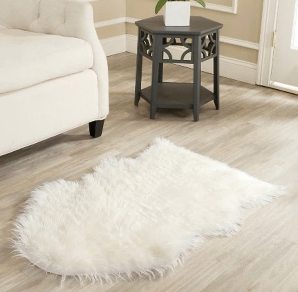 15 Faux Fur Home Decor Ideas To Make Your Space Feel Ultra