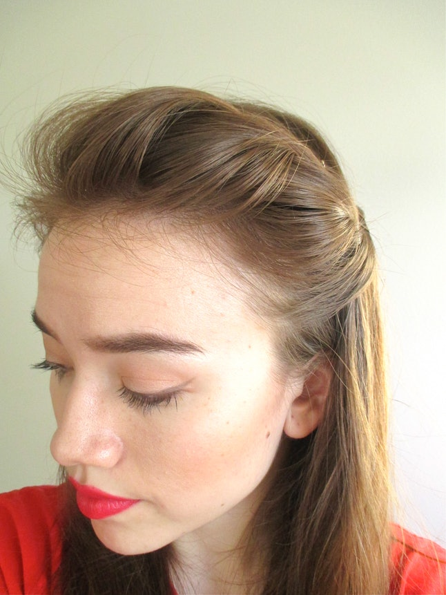 5 Cute And Easy Bobby Pin Hairstyles Using Fewer Than 5 Bobby Pins