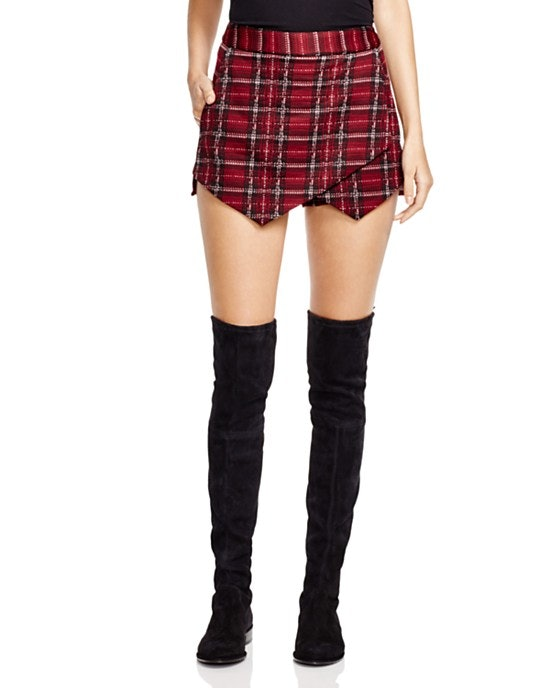 Plaid pleated skirts can be worn with sweaters, leggings, and a pair of simple boots to create a sophisticated look for daytime. Within the vast inventory on eBay, there are plenty of plaid skirts from which to choose. These skirts are available in the iconic black and red color scheme, as well as in blue and green or black and white designs.