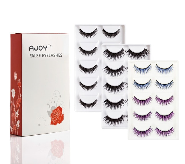 Can You Be Allergic To Eyelash Extensions? Here's What You ...