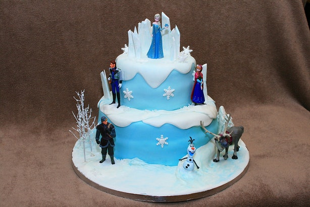 frozen wedding cake 16 winter wedding cakes that are stunningly beautiful and 14508