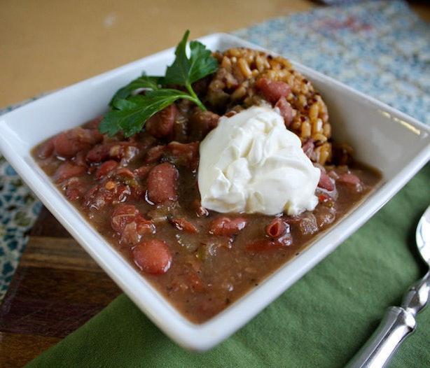 225 Vegetarian Crock Pot Recipes: 18 Vegetarian Crock-Pot Recipes Even Meat Eaters Will Love