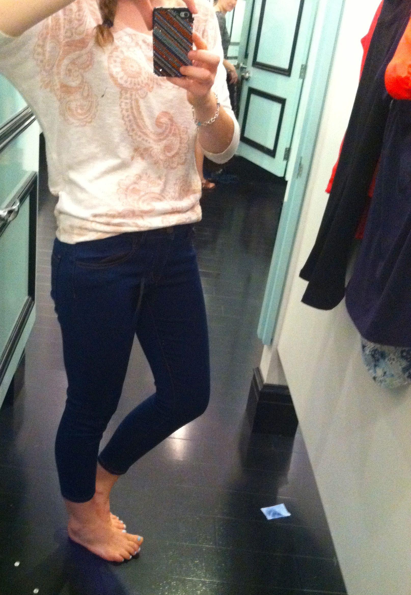Skinny jeans tight around knees