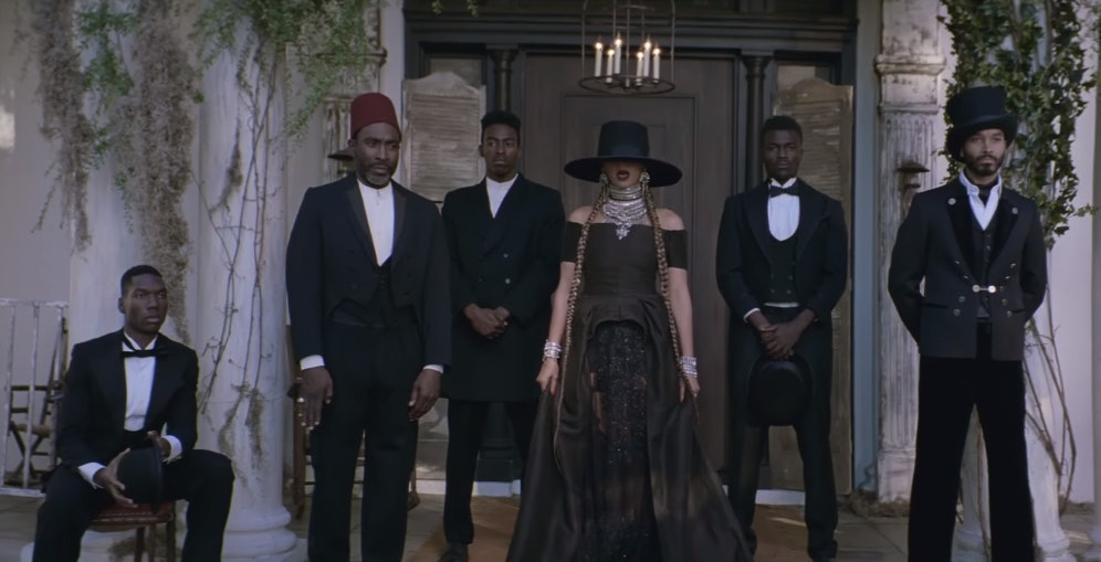 How To Copy 7 Looks From Beyonce S Formation Video In Every Size Photos