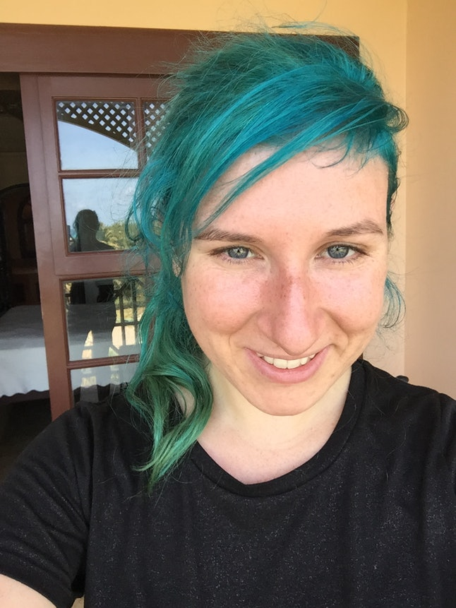 I Dyed My Hair Blue Suddenly Everyone Started Treating Me Differently