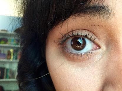 My third eyelash curling hack: applying mascara while curling lashes.