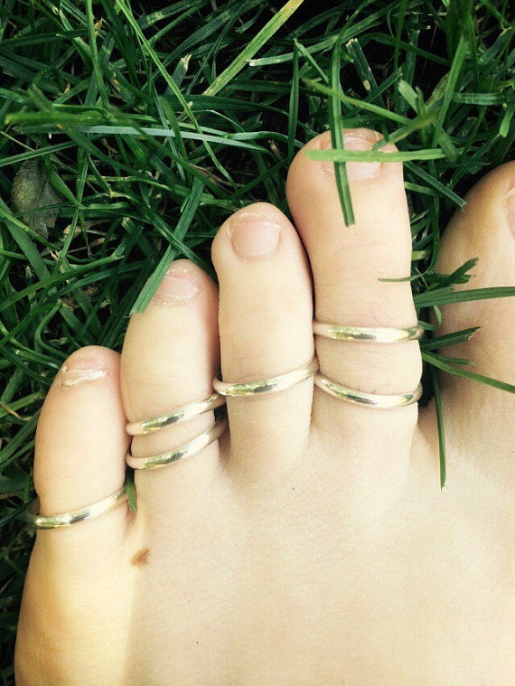 11 Things Every Toe Ring Wearer Will Probably Understand