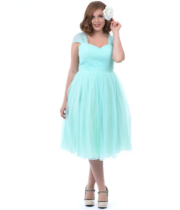 How To Dress Like Zooey Deschanel In \'500 Days Of Summer\' In 7 Easy ...