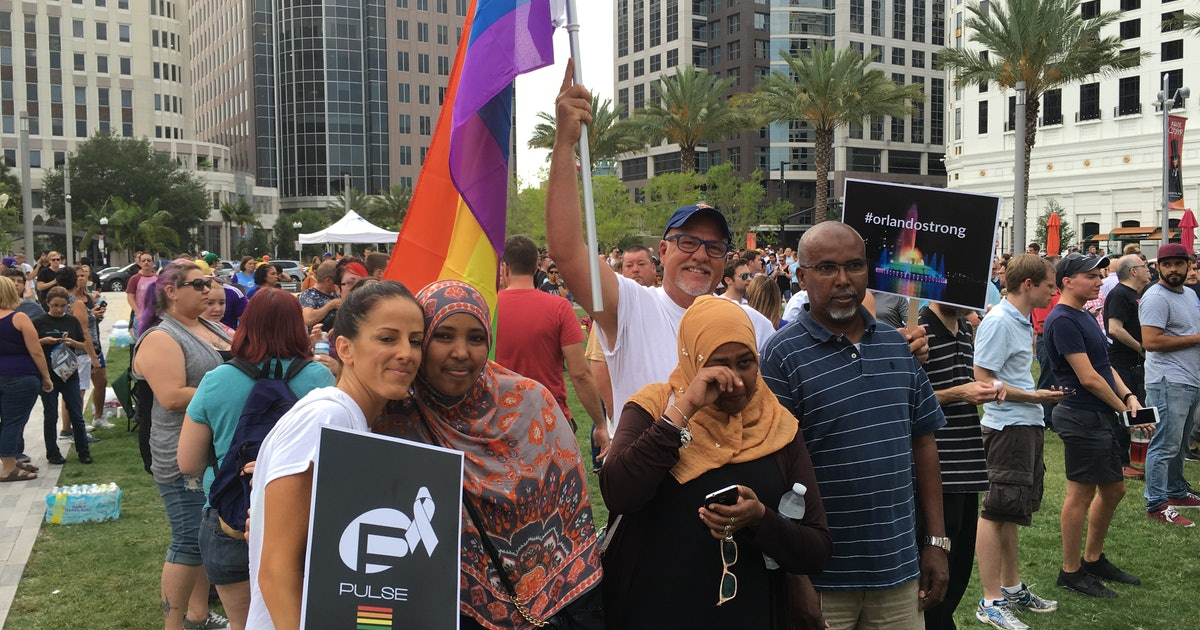 Latino, LGBTQ Muslims in Orlando Are Grieving the Pulse Shooting