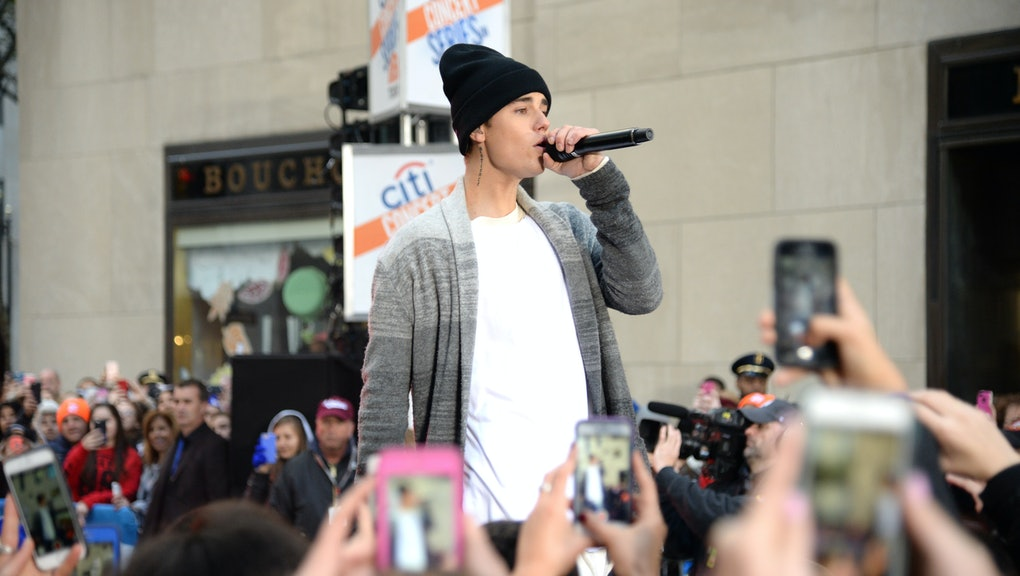 Justin Bieber And Halsey Perform The Feeling On The Today Show