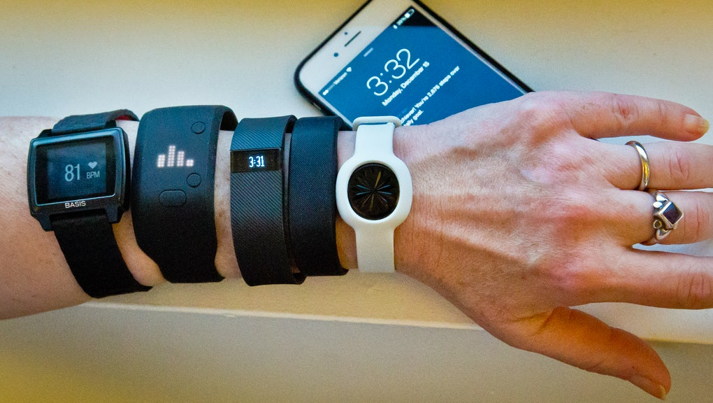 Tech Gift Ideas for Christmas 2015: Fitbit, iPhone and Apple
