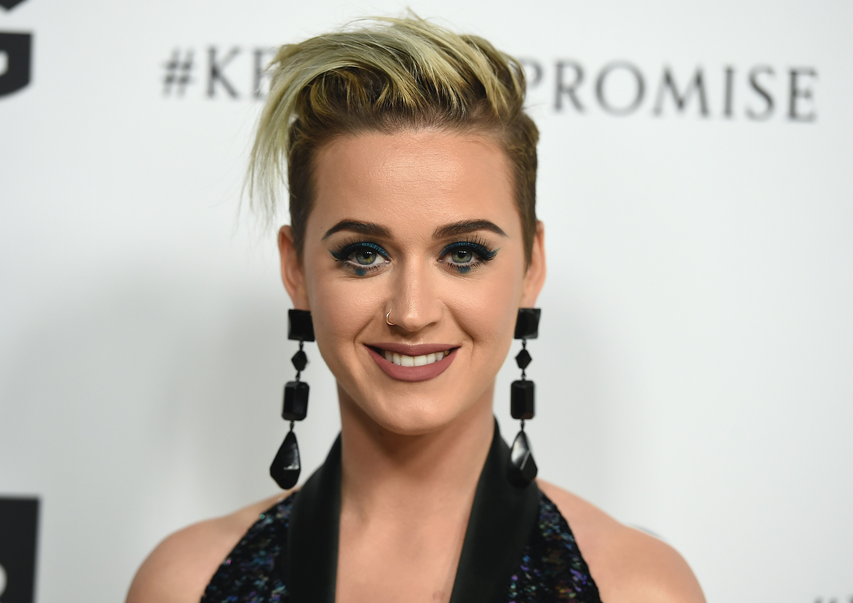is Katy Perry dating Juicy j 22 dating 26 jaar oud