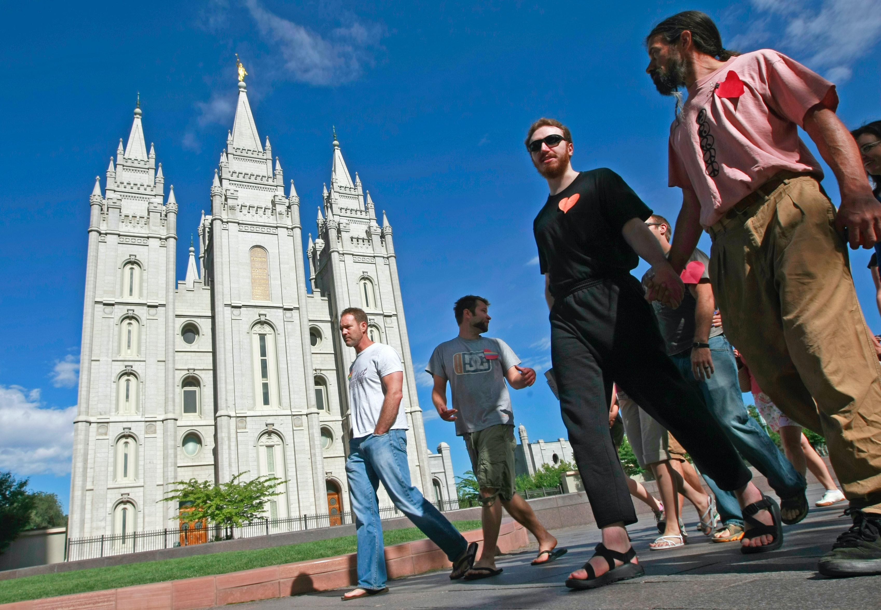 Gay Mormon dating online