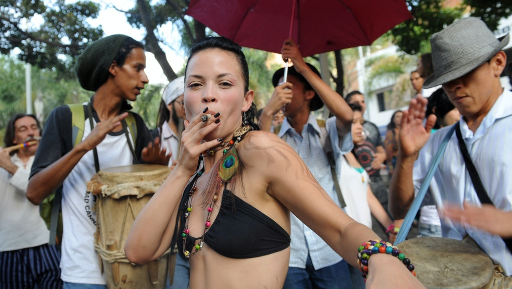 Naked girls and pot 9 Surprising Scientific Reasons Why Ladies Should Smoke More Weed