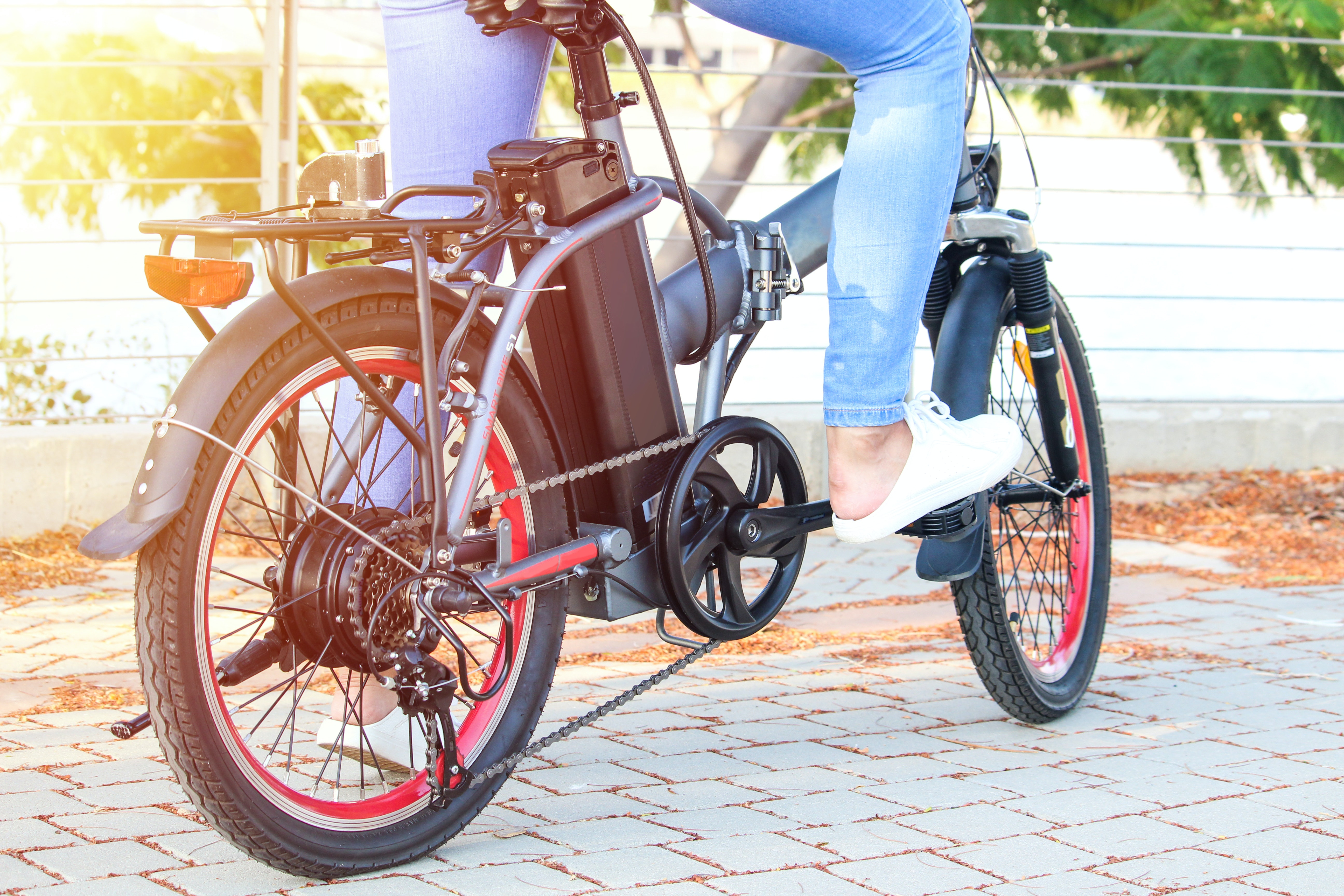 Lyft pulls thousands of e-bikes off the road after cyclists