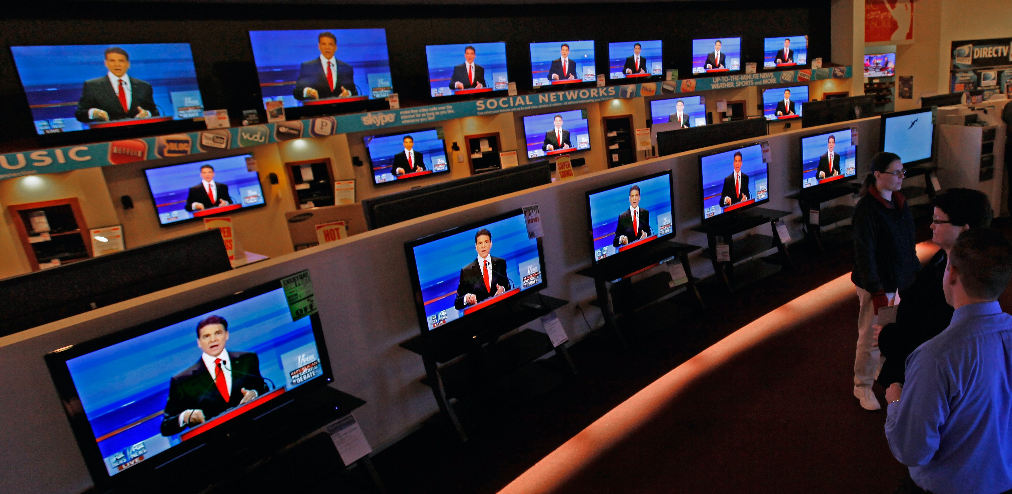 This Pirated TV Network With 500 Channels Just Declared War