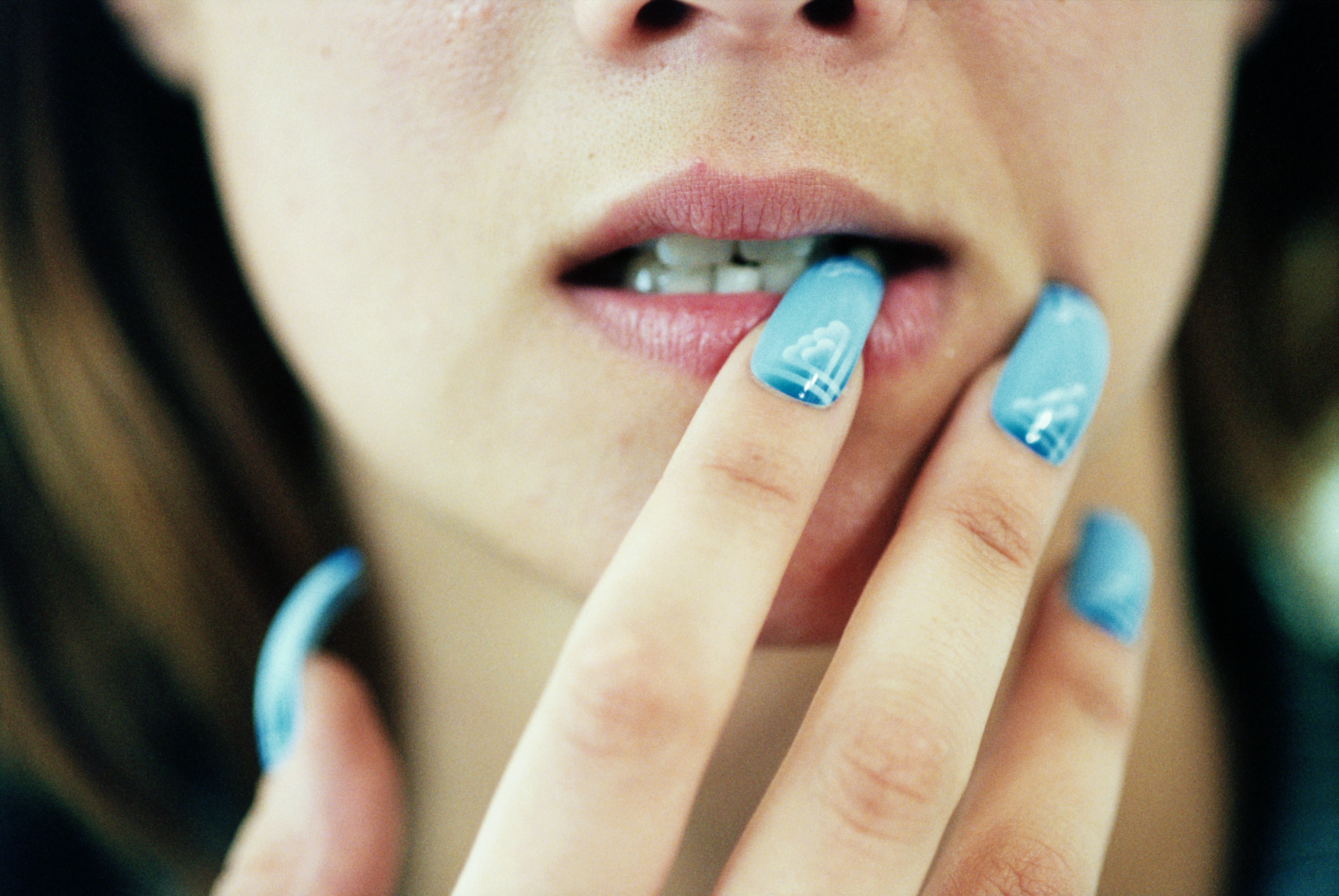 Women Are Stopping an Anxious Skin-Picking Habit With Fake Nails