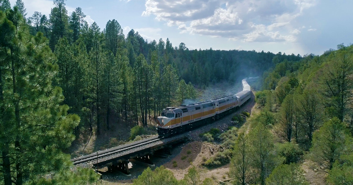 4 scenic train rides in the U.S. and Canada that are way better than flying