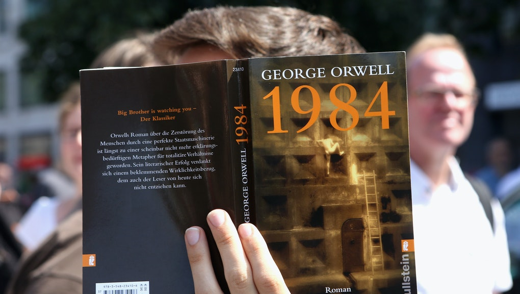 1984 Book Here Are 4 Eerie Similarities To Trumps America