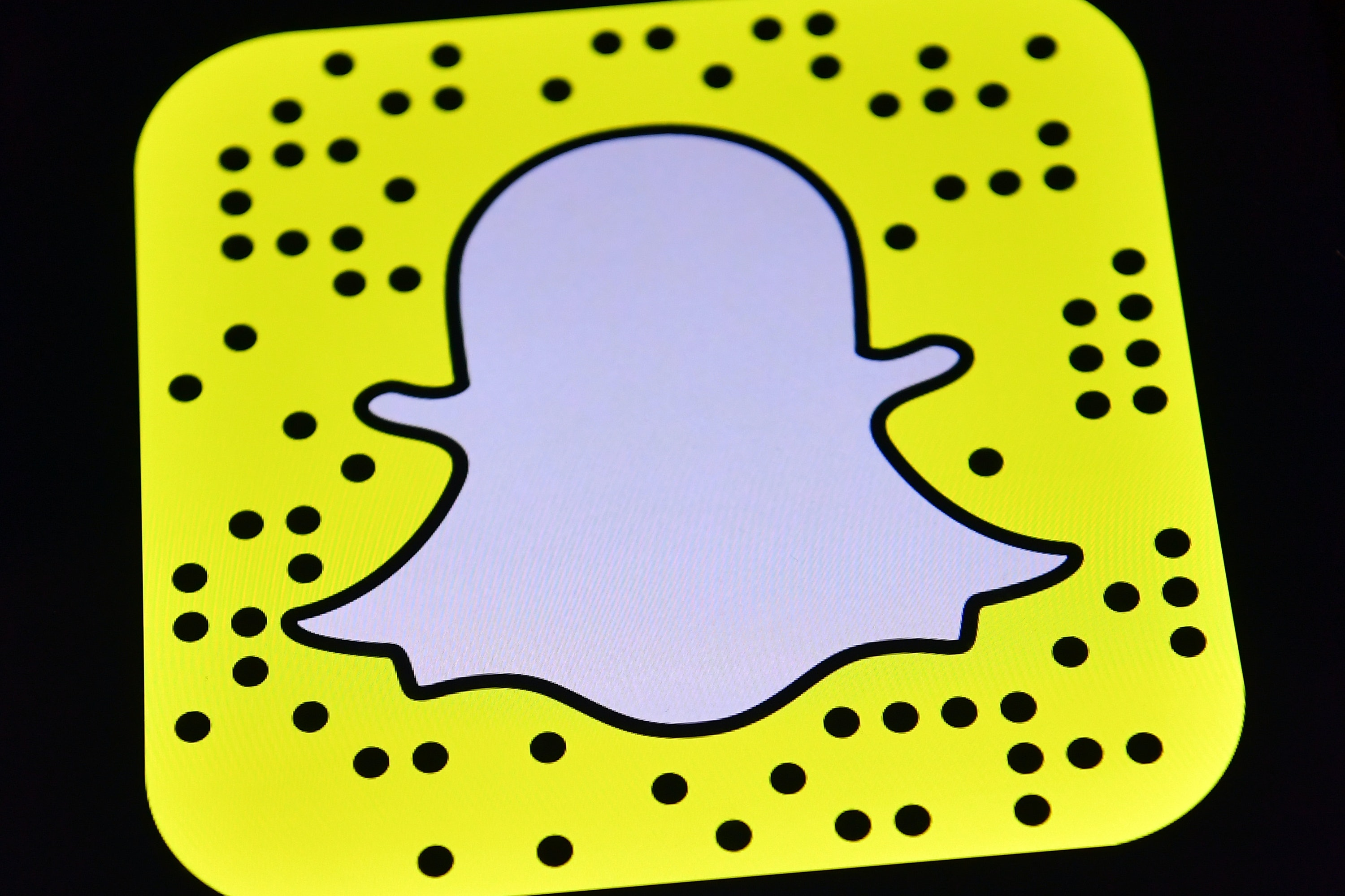 How to add links to your Snapchats with the new update